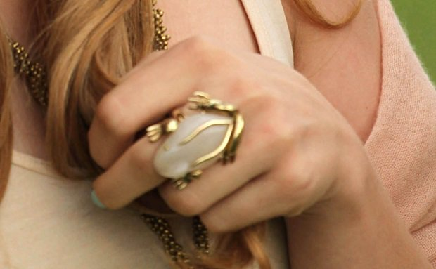 A closer look at Chloe's jewelry