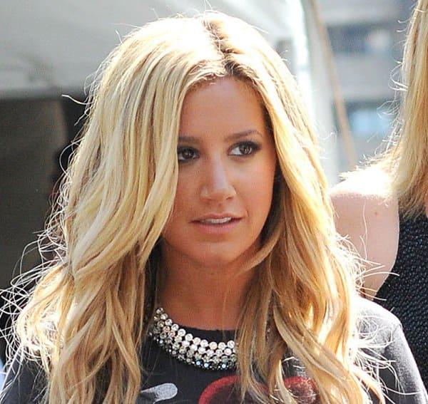 Ashley Tisdale's Swarovski necklace
