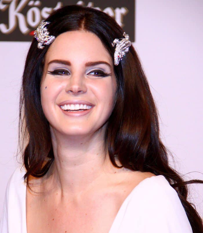 Lana Del Rey in Grecian drape dress