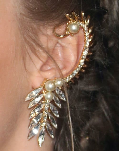 A closer look at Cara's gorgeous Ryan Storer ear cuff