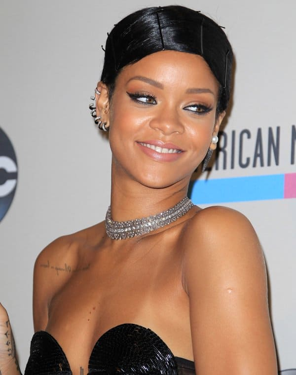 Riri looked glamorous in sparkling jewels from Lynn Ban, Repossi and Alex Mika