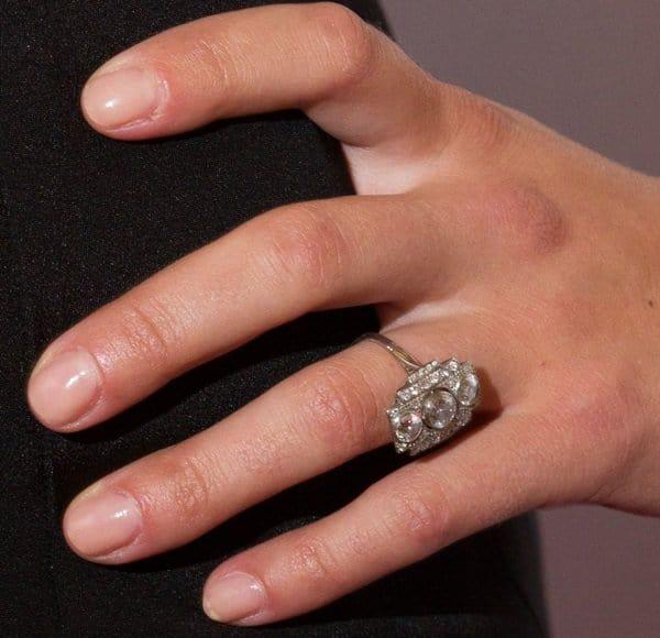Scarlett Johansson's engagement ring from Romain Dauriac