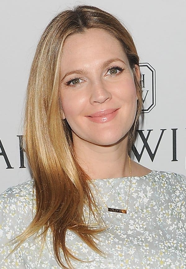 Bar Necklaces Drew Barrymore