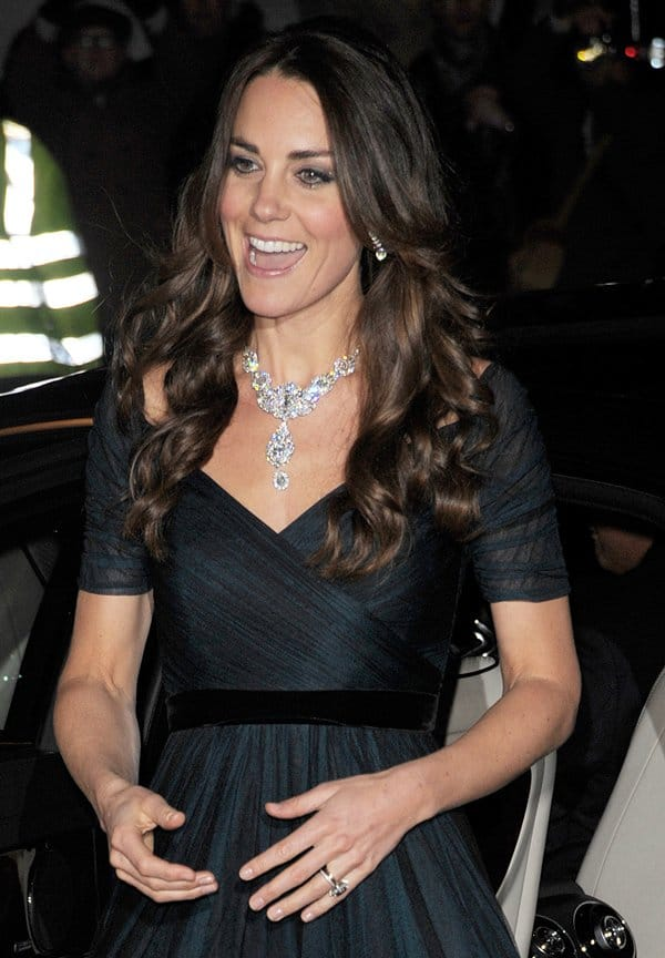 Kate Middleton Queen Necklace