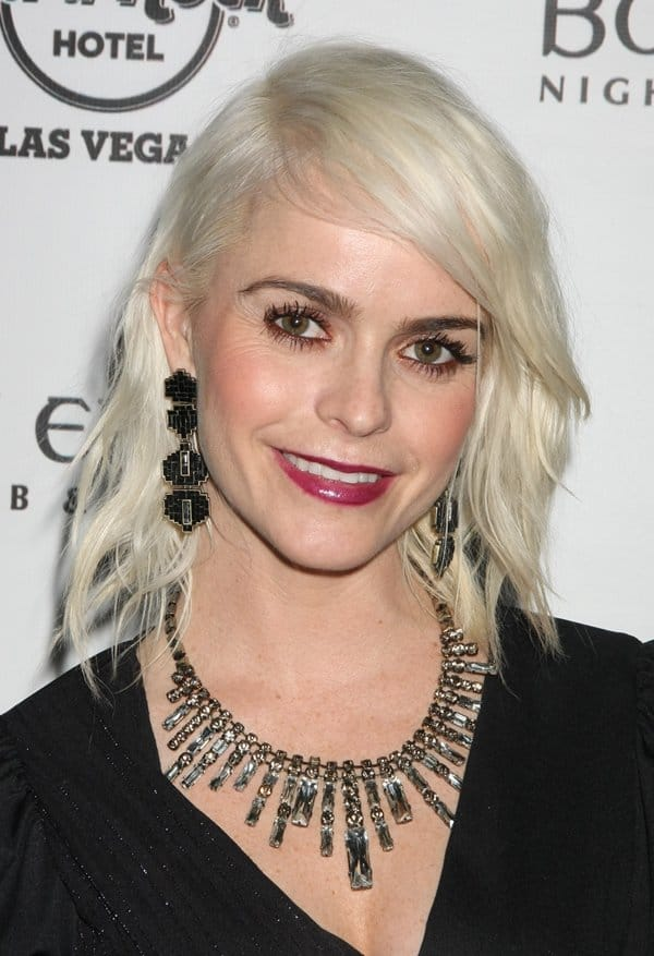 Taryn Manning Statement Necklace3
