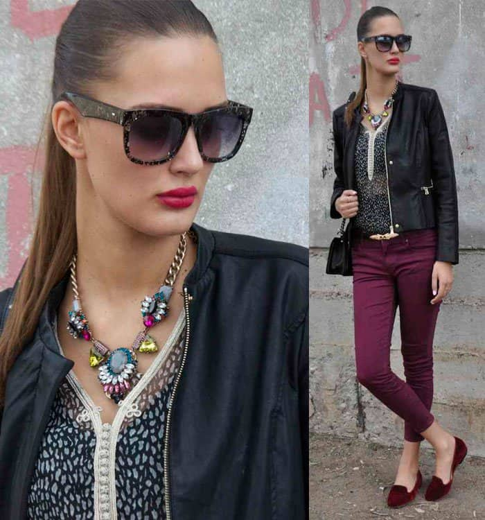Amina shows how a multicolored necklace can improve an outfit