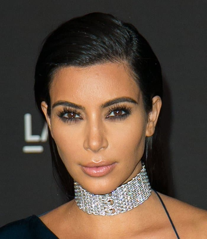 Kim Kardashian Choker9