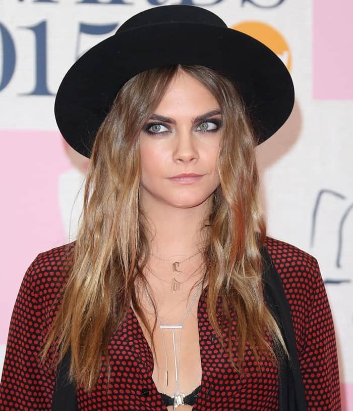 Layered Jewelry Cara Delevingne3