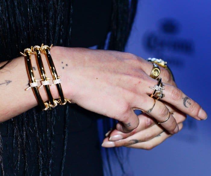Layered Jewelry Zoe Kravitz3