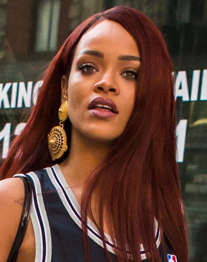 Rihanna Gold Earrings6