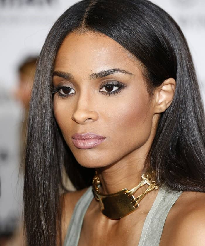 Ciara chose to amp up the fierceness with a gold bangle, a couple of gold rings, and a chunky gold choker that really punctuated and polished the whole look
