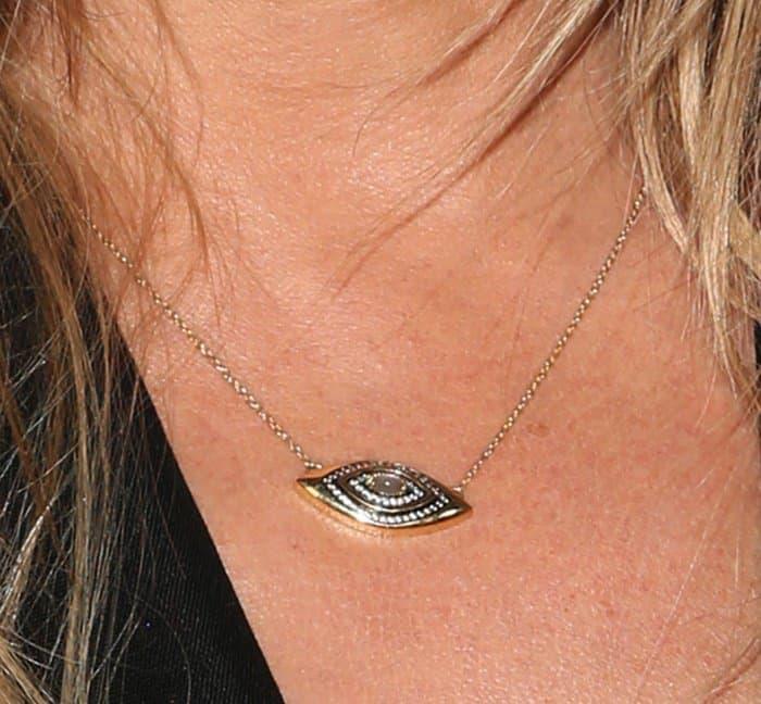 Jennifer Aniston'sevil eye necklace
