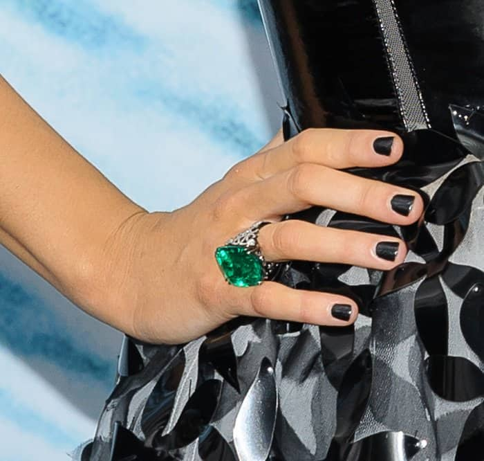Blake Lively showing off her huge emerald ring