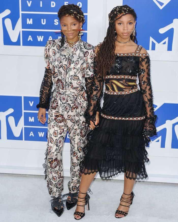 VMAs Chloe and Hale Bailey