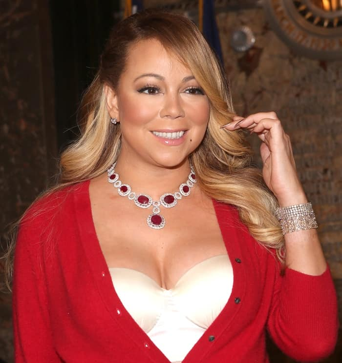 Of course, no outfit of Mariah's would be complete without some very expensive diamond jewelry