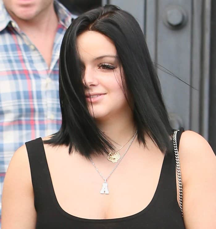 Ariel Winter spotted leaving 901 salon after having her hair cut.