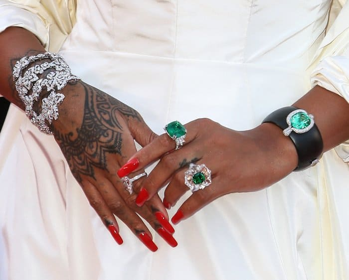 "Rihanna wore stunning jewelry from her own ""Rihanna Loves Chopard"" collection"