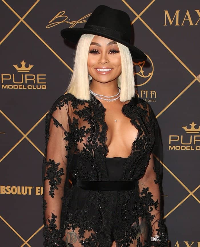 Blac Chyna accentuated her small waist with a black belt, adding another bold detail to her look.