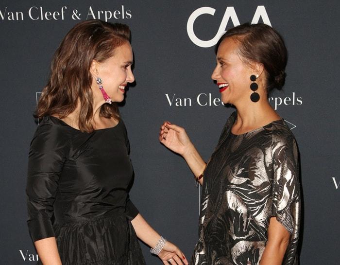 Natalie Portman and Rashida Jones say hello at the L.A. Dance Project Gala.