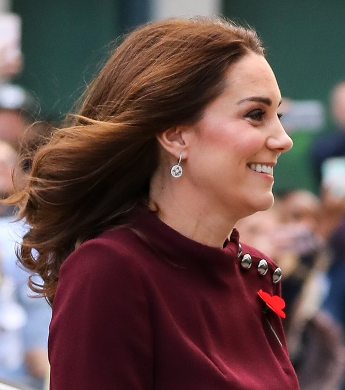 Kate Middleton wearing diamond drop earrings at Place2Be's School Leaders Forum.