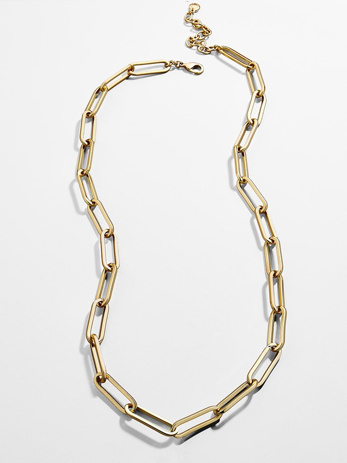 Best-seller Hera Link paperclip-style necklace, as seen on Lizzo, has a slick and modern look